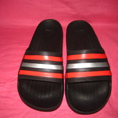Фирменные шлепанцы Adidas (оригинал) - 9 размер