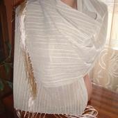 Легкий шарф-палантин. Отличное дополнение к любому наряду.