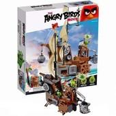 Конструктор Angry Birds 19005 «Пиратский корабль свинок» 620 деталей