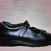 Мягчайшие фирменные черные кожаные туфли LadySko. Швейцария. 40 р.