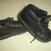 Фирменные KicKers кожаные ортопедические ботинки на 30 размер