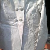 Стильная кожаная курточка р. М фирмы Oakwood