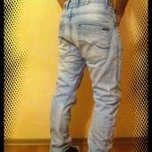 Крутые джинсы Jack & Jones (размер 32/32)
