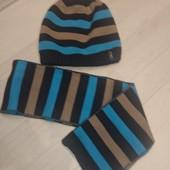 Шапка +шарфик зима на 1-2 года в отл.сост