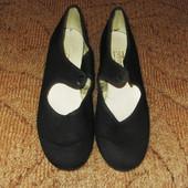 Танцевальные туфли степовки черные Р.39 стел. 24.5 см и Р. 30 стел. 20 и 20.5 см