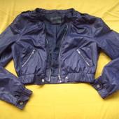 Фирменная куртка ветровка,отличное состояние