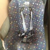 Автомобільне крісло Chicco до 30кг