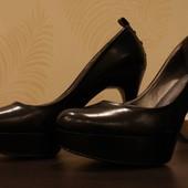Туфли на шпильке Guees by marciano размер 9, 5