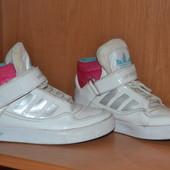 """Кроссовки """"adidas"""" р.31"""