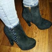 Элегантные ботиночки на каблуке в наличии