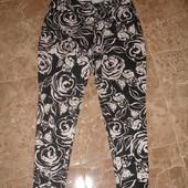 Фирменные брюки леггинсы на 48 размер от George черно-белые розы