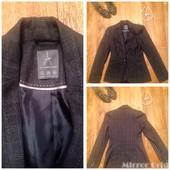 Стильний пиджак сирого кольору