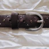 Ремень пояс кожаный коричневый с заклепками