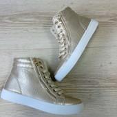 Женские зимние ботинки кеды золото