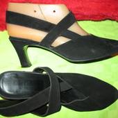 Туфли с открытой пяткой,из нат.замши,р.7(наш 39,стелька-26см.)).Англия.