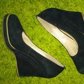 Стильные замшевые туфли Идеальное состояние!