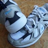 Фирменные кроссовки  Sports размер 39-длина стельки-25 см