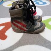 Крутые ботинки деми Chicco, размер 27