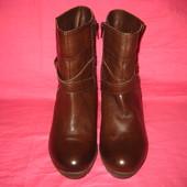 Новые кожаные демисезонные полусапожки Bata (оригинал) - 38 размер