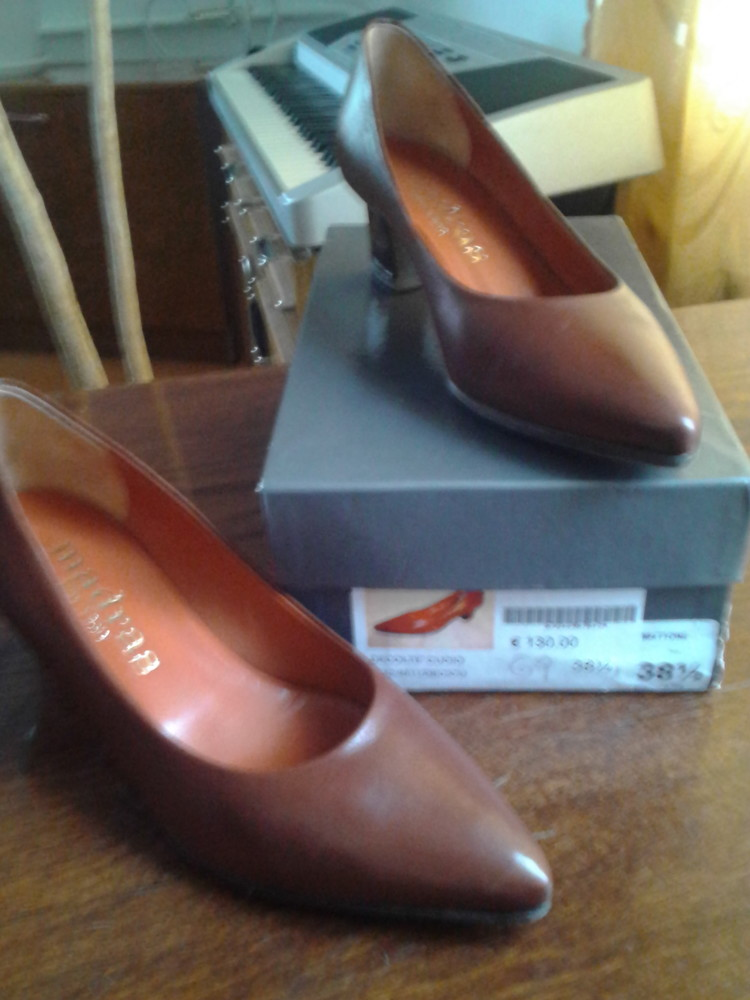 Туфлі кожані-Італія,розмір-38,5.цвет коньячний фото №1