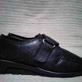 Комфортные закрытые черные кожаные туфли Footglove. Англия UK- 3 1/2.
