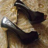 туфли-босоножки лаковые р.39