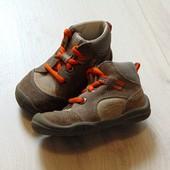 Стильные демисезонные ботинки для мальчика. Superfit. Размер 20. Состояние: идеальное.