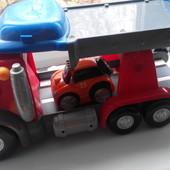 Огромный грузовик-трасса Chicco