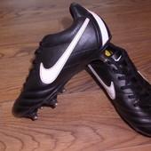 бутсы Nike оригинал р.33 стелька 21 см.в хорошем состоянии.