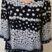 Красивая блуза с принтом цветы