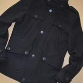 Стильное мужское или на подростка пальто. Размер S. Bershka.