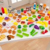 Набор продуктов в деревянных кухонь KidKraft (63330).