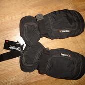 Продам термостойкие водонепроницаемые перчатки Berg Land р.11 Thinsulate insulation 3M  длина перчат