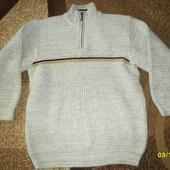 Тёплый мужской свитер.