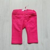 Яркие штаники для девочки. Name it. Размер 2-4 месяца. Состояние: новой вещи