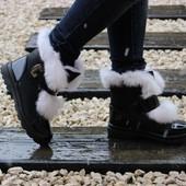 Ботинки с опушкой кролик черно-белые Т034чер