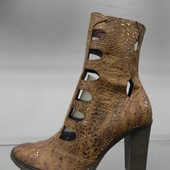 Кожаные нарядные ботинки 39р