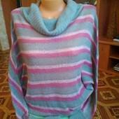 Красивый, нарядный свитерок