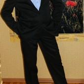 Мужской черный костюм р. 52-54