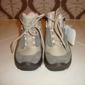Распродажа! Демисезонные ботинки для девочки Quechua, Румыния.