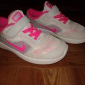 Кроссовки Nike Revolution3