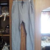 Спортивные штаны р-р М (48) на небольшой рост в отличном состоянии бренд Topman