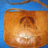 Классная сумочка из натуральной кожи кобры!