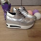 Супер модные и стильные кроссовки
