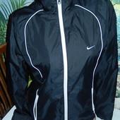 Nike женская мастерка ,р-р М,8-10,оригинал в идеале