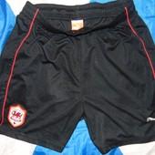 Спортивние оригинальние футбольние шорти труси Puma