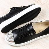 Кеды кожаные черные на шнурках с камнями
