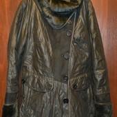 Отличное пальто размер 40, на 46