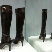 Демисезонные сапоги Gucci, оригинал, кожаные, устойчивый каблук.