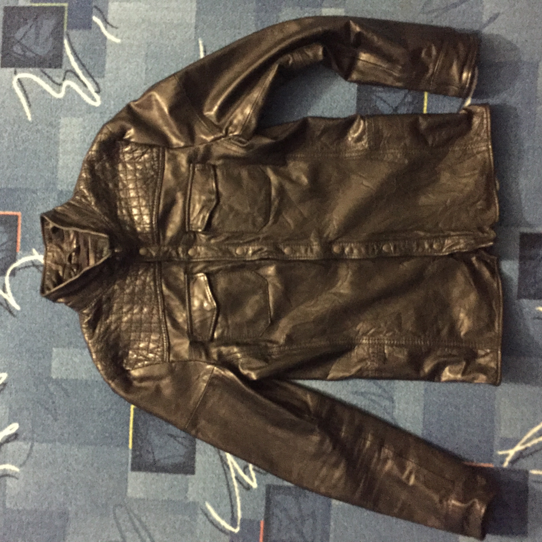 Кожанная курточка Bershka
